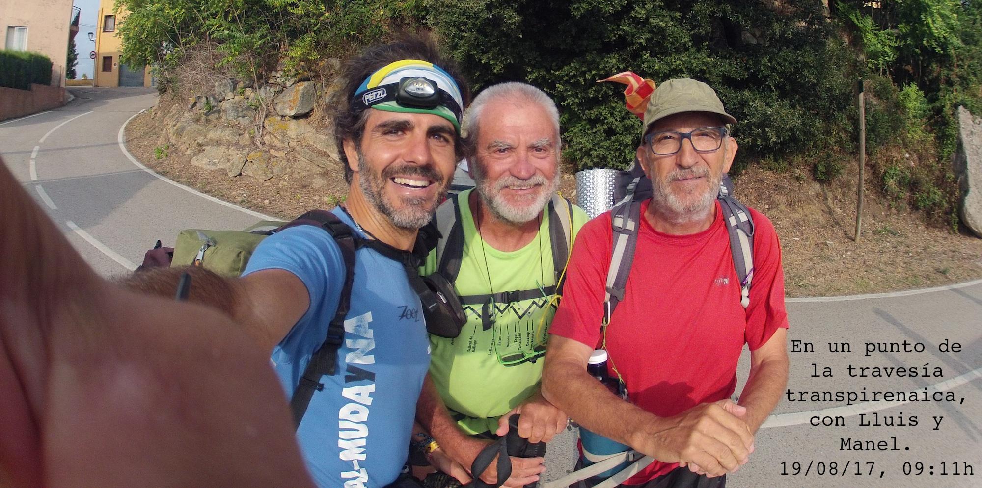 En un punto del GR11, con Lluis y Manel